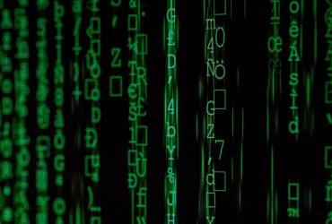 Czym jest wirus komputerowy i jak się przed nim chronić? [rodzaje wirusów komputerowych]